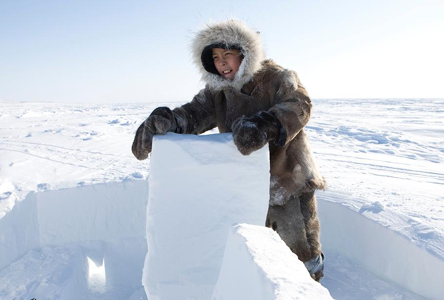 How to Build a Traditional Inuit Igloo